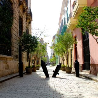 Stroll the streets of Old Havana on a Full Day Havana Tour