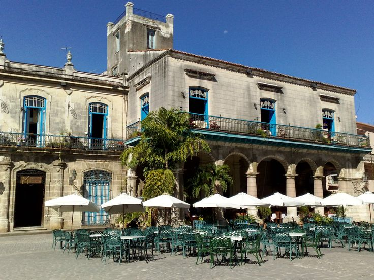 Old Square Cafeterias in Old Havana